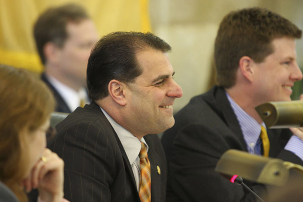 Senator Sarlo (D-Bargen) Chairs Regulatory Oversight Committee (5/1/08)